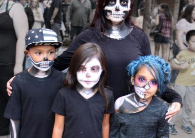 09 Skull Family